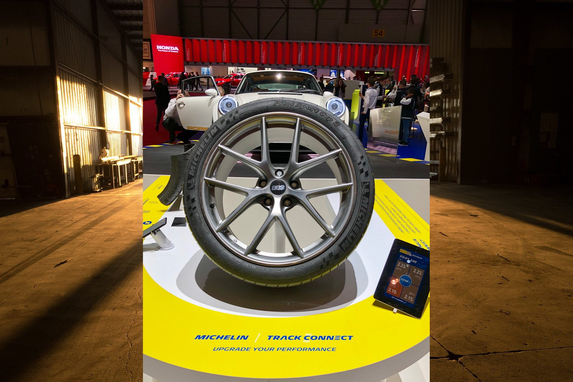 Michelin Track Connect, il primo pneumatico connesso