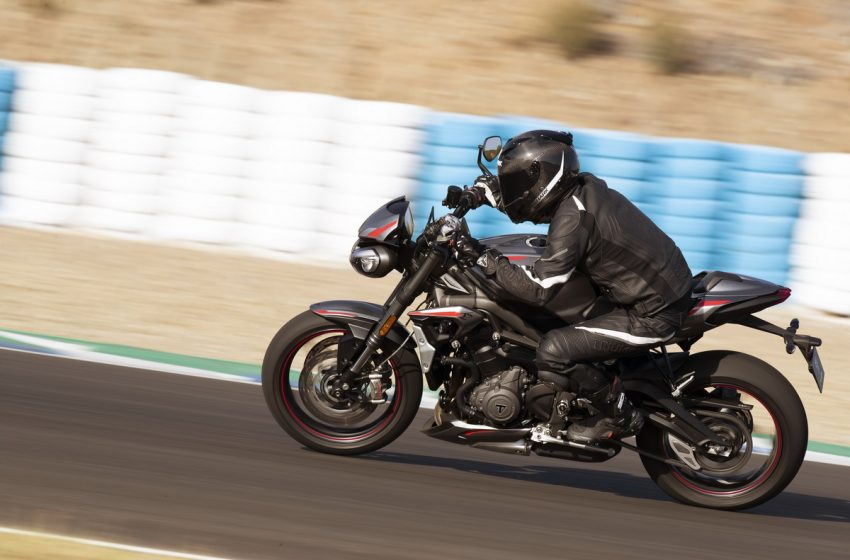 Nuova Street Triple RS, tutte le specifiche tecniche