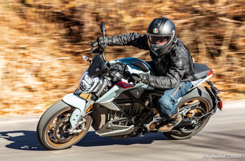 Zero Motorcycles SR/F, la prova: zero noise with lots of Fun & Save money